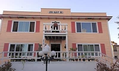 Building, 270 Cliff Dr, 1