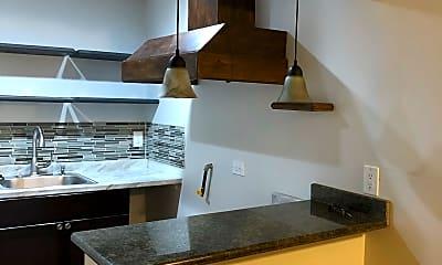 Kitchen, 1042 E 65th St, 1