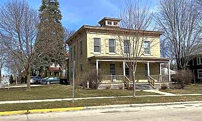 Building, 216 W Mackie St, 2