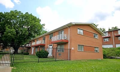 Building, 819 Gustav Ave, 1