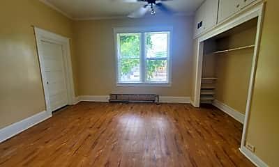 Living Room, 290 E Truman Ave, 1