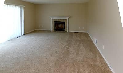 Living Room, 643 Bridgeport Terrace, 2