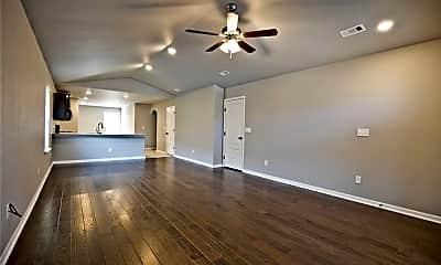 Living Room, 1004 E Sumac St, 1