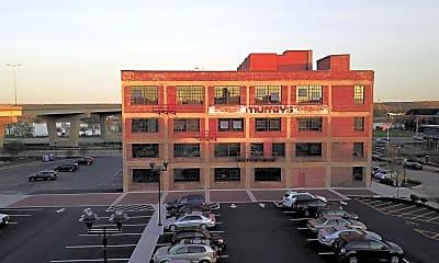 Building, 100 Walnut St, 1