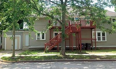 Building, 601 W Franklin St, 1