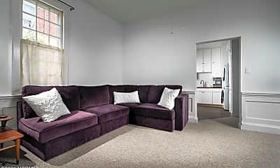 Living Room, 208 Metcalf St 100, 1