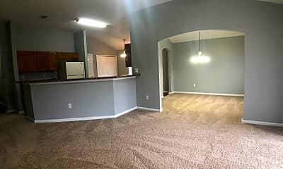 Living Room, 2786 CROSS CREEK DR., 1