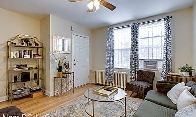 Living Room, 928 19th St NE, 1