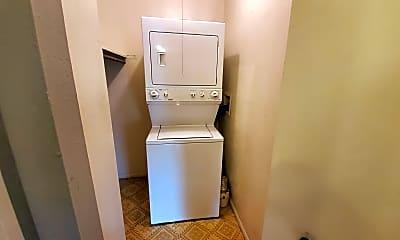 Bathroom, 5995 W Hampden Ave, 2