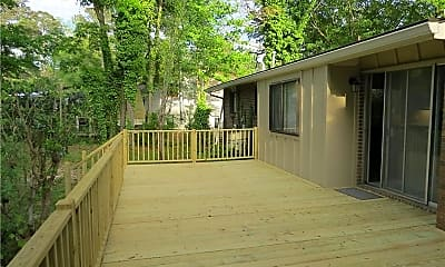 Patio / Deck, 2801 Sagamore Hill Dr, 2