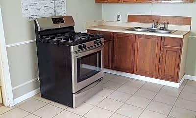 Kitchen, 204 Doc Duhon St, 1