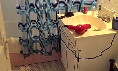 Bathroom, 96 Brainerd Rd, 2