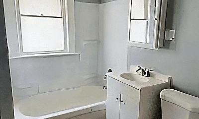 Bathroom, 1414 E 110th St, 1