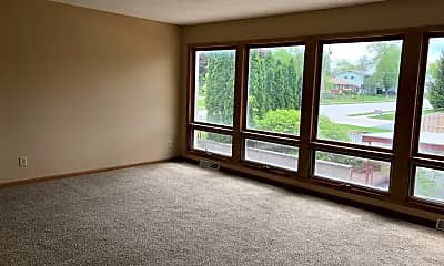 Living Room, 3615 Kennedy Dr, 1