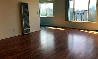 Living Room, 370 Staten Ave, 1