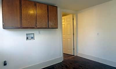 Bedroom, 111 W Ash St, 2