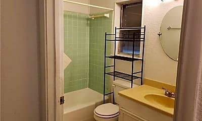 Bathroom, 105 Westover Dr, 2