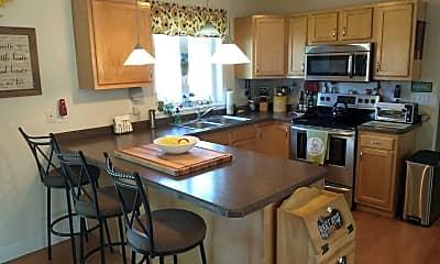 Kitchen, 205 Parkland Ave, 1
