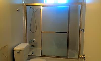 Bathroom, 471 Juana Ave, 2