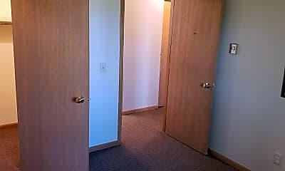 Bedroom, 403 N Glendale Ave, 2
