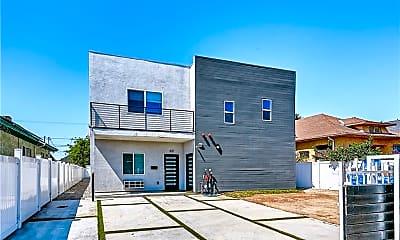 Building, 820 E 25th St, 1