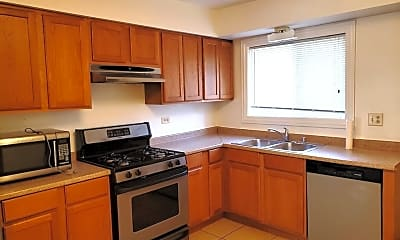 Kitchen, 123 E Dundee Rd 3N, 1