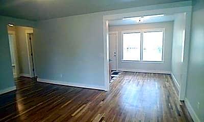 Living Room, 6500 N Mississippi Ave, 1