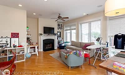 Living Room, 1031 W Belmont Ave, 1