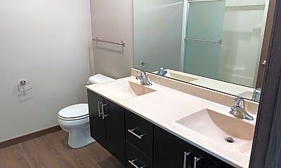 Bathroom, 1708 5th St, 1