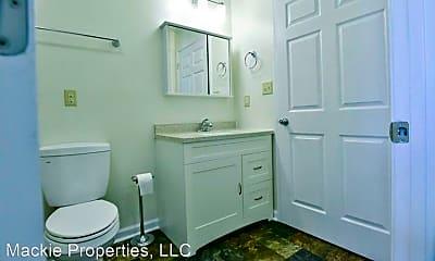 Bathroom, 1000 W 11th St, 2