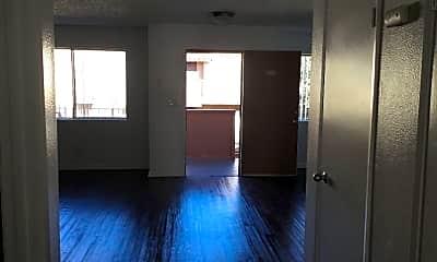 Living Room, 1627 N Fair Oaks Ave, 2