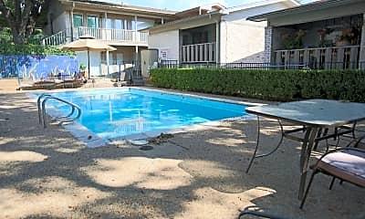 Pool, 1304 Summit St, 2