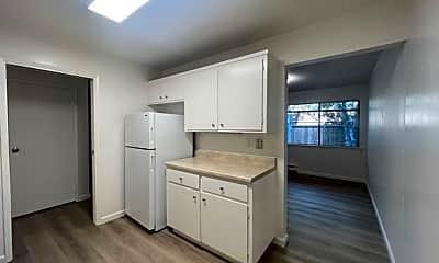 Kitchen, 960 Oak Ln, 1