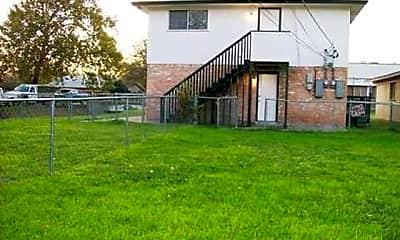 Building, 607 N Elm St B, 2
