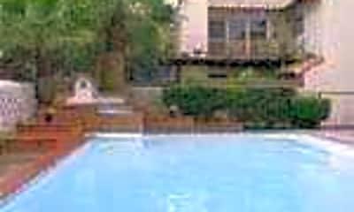 Villa De Leon Garden Apartments, 2