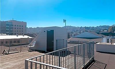 Patio / Deck, 1476 Valencia St, 2