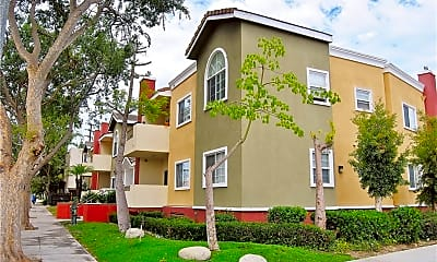 Building, 1215 E San Antonio Dr, 0