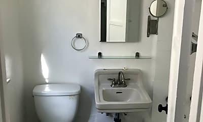 Bathroom, 2971 W 8th St, 2