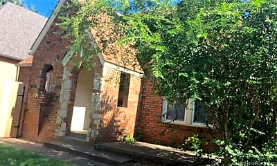 Building, 1108 E 36th St, 0