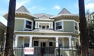 Building, 743 S Burlington Ave, 1