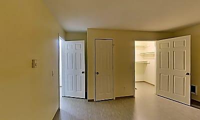 Living Room, 1516 N Brook Ct, 1