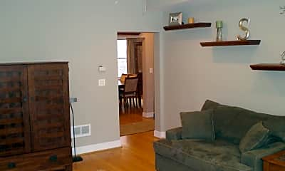 Living Room, 2737 W Winnemac Ave, 2