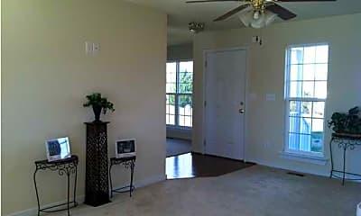 Living Room, 254 Ironhound Dr, 1