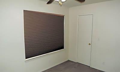 Bedroom, 606 W Collins St, 1