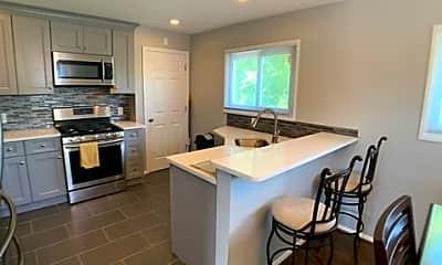Kitchen, 5525 Old Court Rd, 1