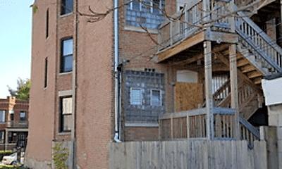 Building, 1124 S Richmond St, 2