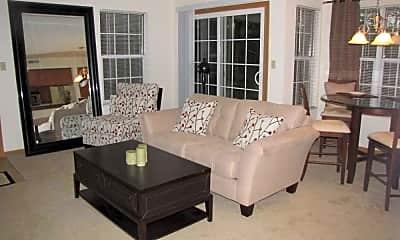 Living Room, Stoney Run Condominiums, 0