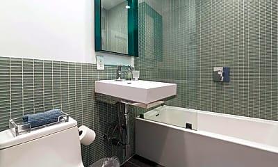 Bathroom, 195 Prince St, 2
