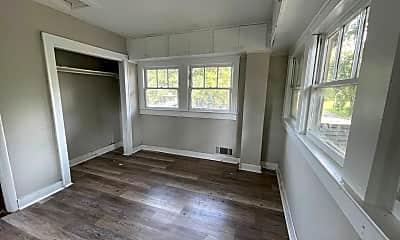 Living Room, 1701 N Poplar St, 2