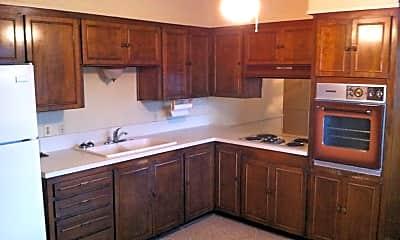 Kitchen, 4 Desoto Cir, 1